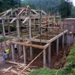 Thi công cột bê tông cốt thép nhà sàn Yên Bái