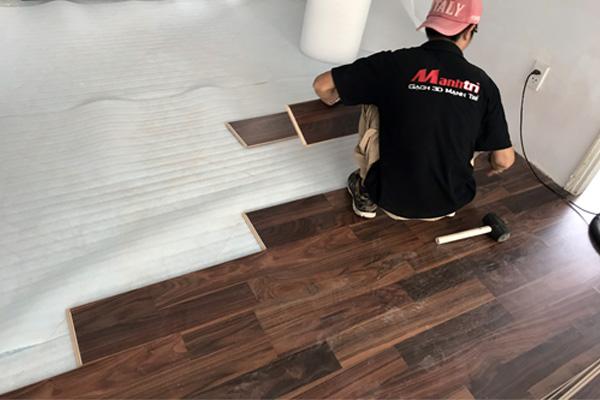 Báo giá nhân công thi công sàn gỗ giá rẻ