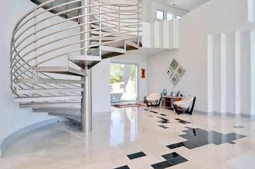 Cầu thang sắt cho ngôi nhà nhỏ