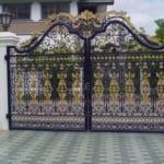 Lựa chọn cửa sắt, cửa gỗ, cửa kính hay cửa nhôm kính?