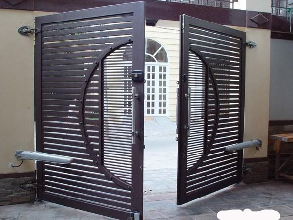 Cửa cổng sắt 2 cánh