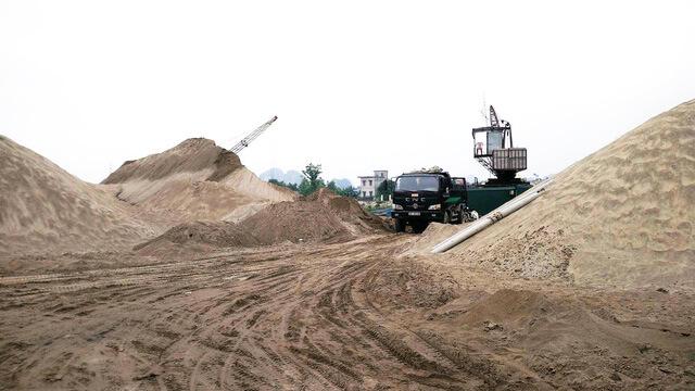 Bãi khai thác cát xây dựng do công ty Kho Thép Xây dưng làm chủ