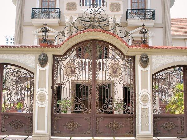 Mẫu cổng hàng rào sắt đẹp cho nhà sang chảnh