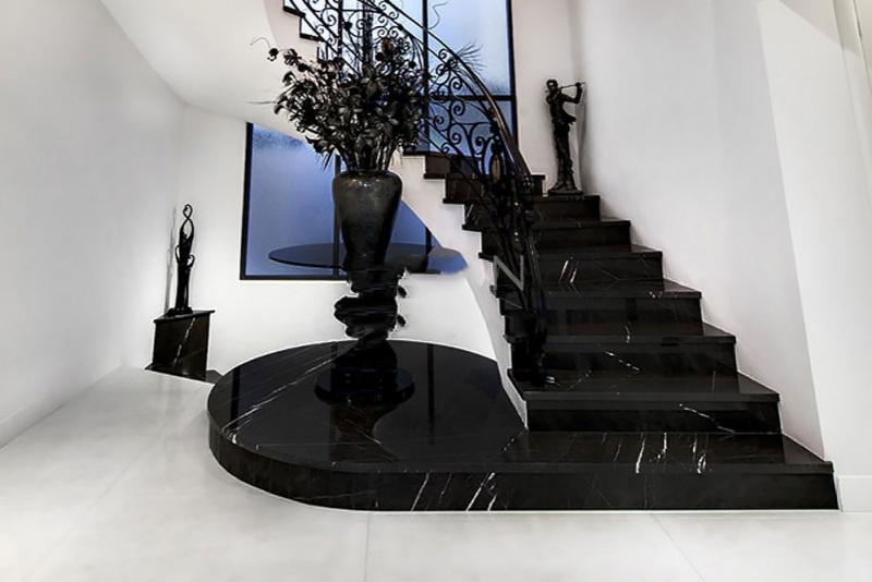 Bí quyết chọn đá ốp cầu thang vừa đẹp vừa chuẩn phong thủy