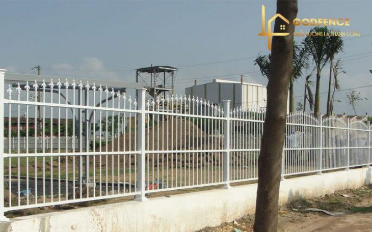 HRSH – 01 Hàng rào sắt hộp mũi giáo sơn tĩnh điện