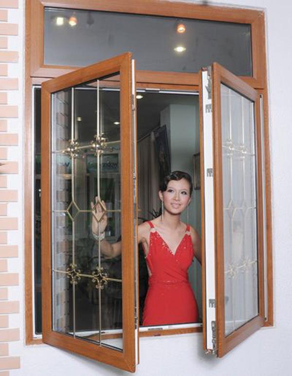 Xem mẫu cửa nhựa lõi thép màu vân gỗ đẹp, sang trọng, hiện đại