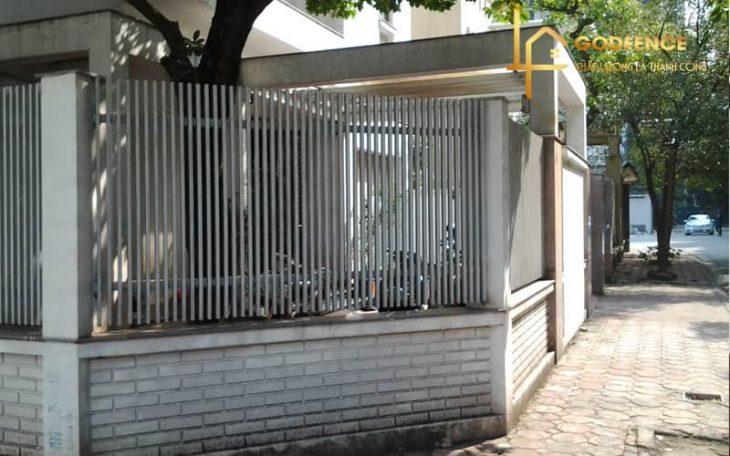 HRSH – 16 Hàng rào sắt hộp mạ kẽm