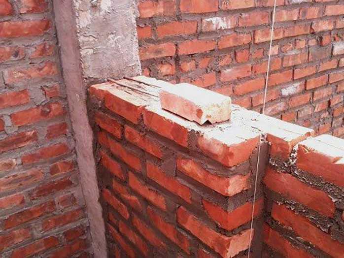 Tường nhà