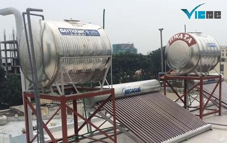 két chứa nước